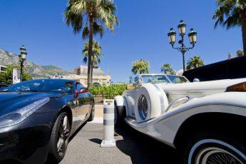 Faceci kochają luksusowe auta – dlaczego?
