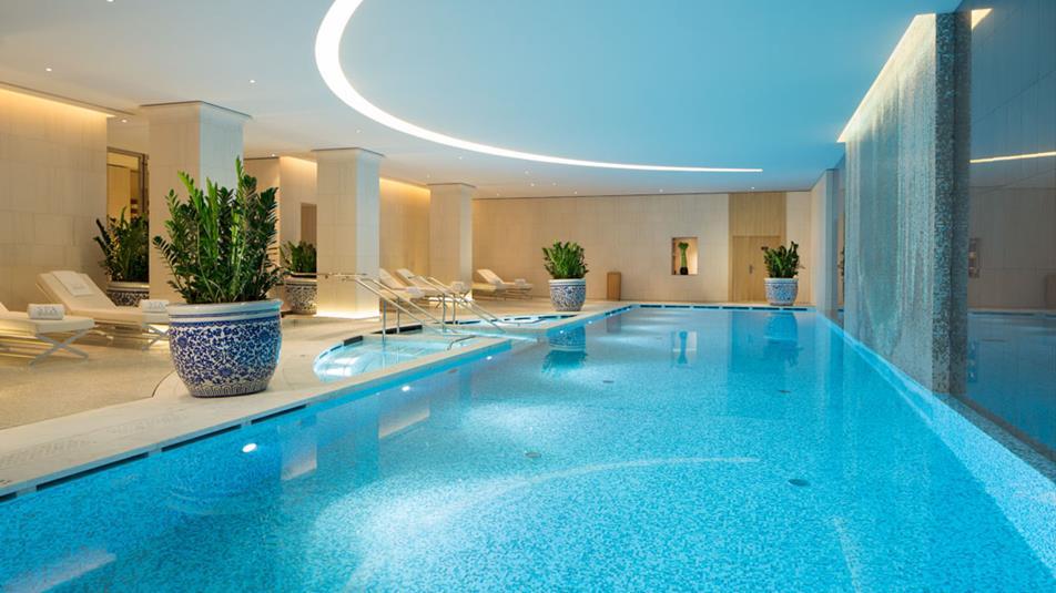 luksusowy paryż i hotel