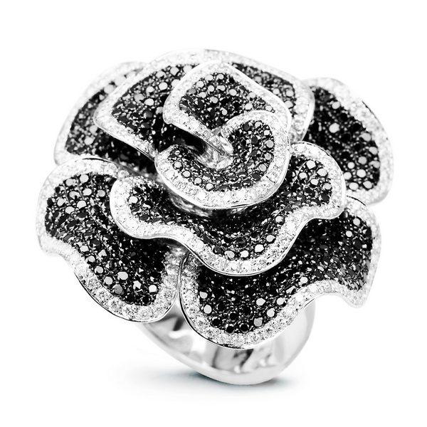 jak dbać o pierścionek z brylantem