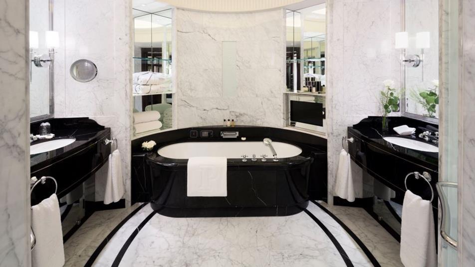 łazienka hotelowa w paryżu