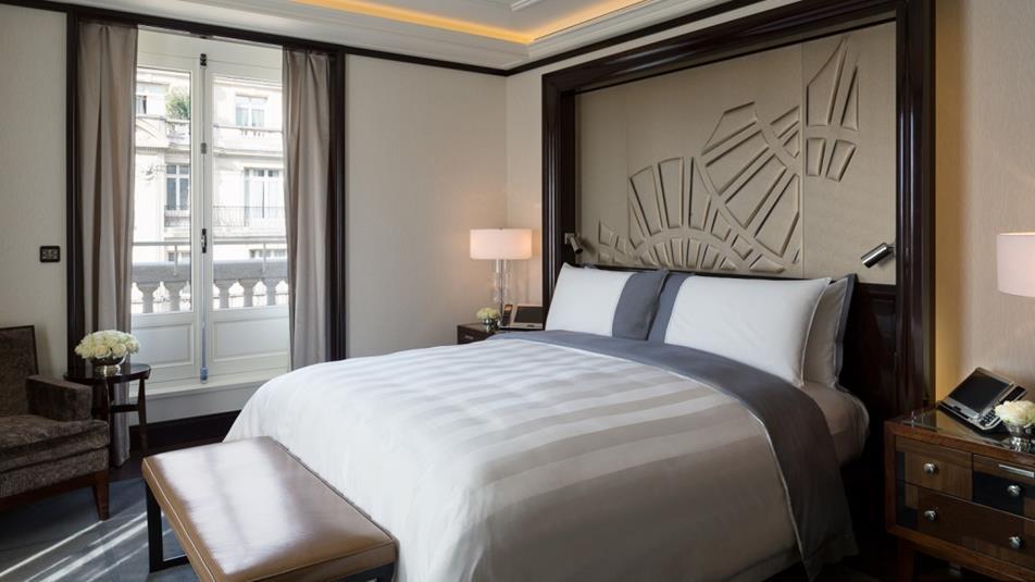 luksusowy hotel paryski