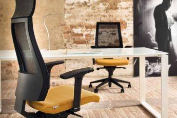 porządne krzesło biurowe