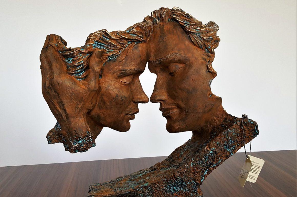 Oryginalne rzeźby do salonu i Twojego wnętrza – Angeles Anglada w akcji