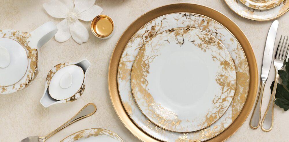 Świąteczna zastawa stołowa z dominacją złota